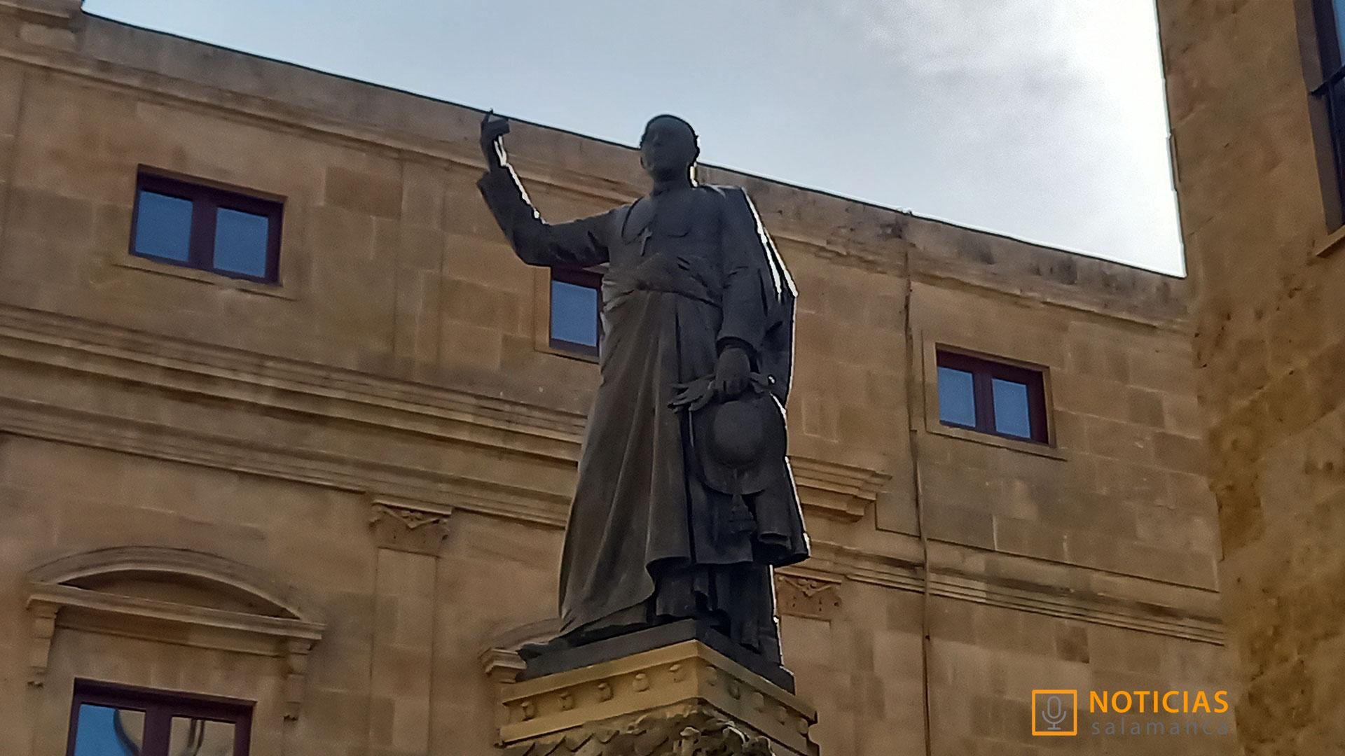 Escultura de Padre Cámara