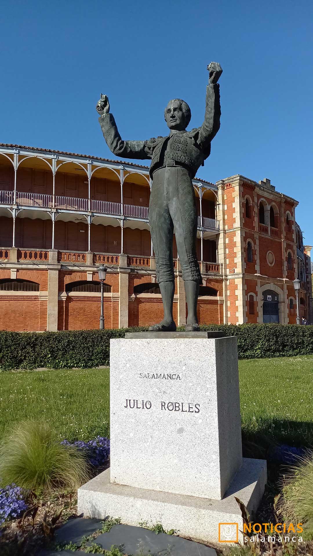 Escultura Julio Robles