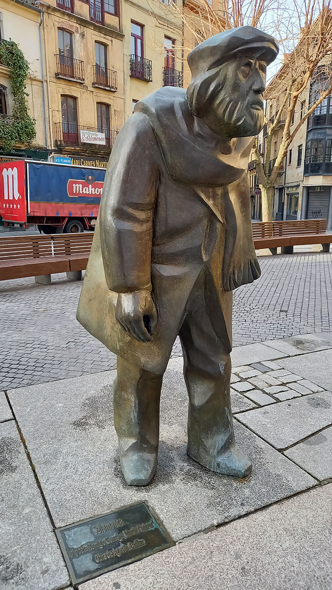 Escultura de Adares