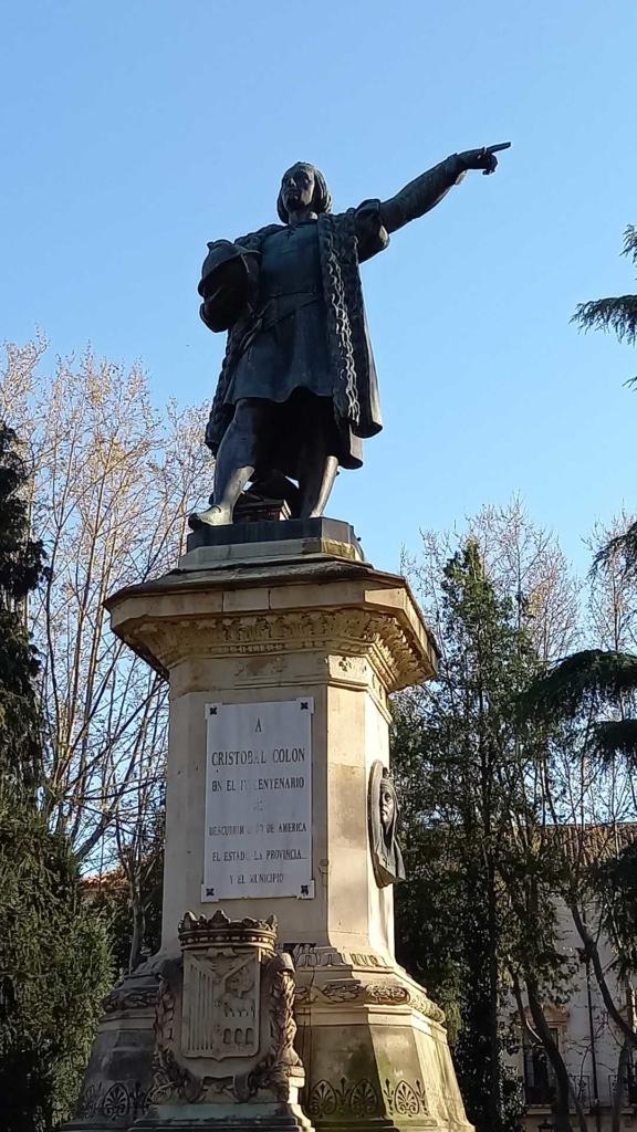 Escultura a Cristóbal Colón