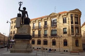 Escultura al empresario - Salamanca