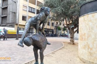 Escultura: Juego de la pídola