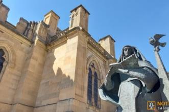 Alba de Tormes - Escultura Santa Teresa
