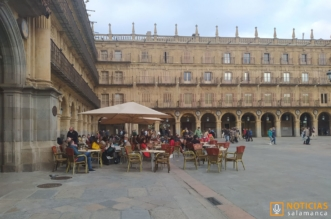 Gente en Plaza Mayor de Salamanca