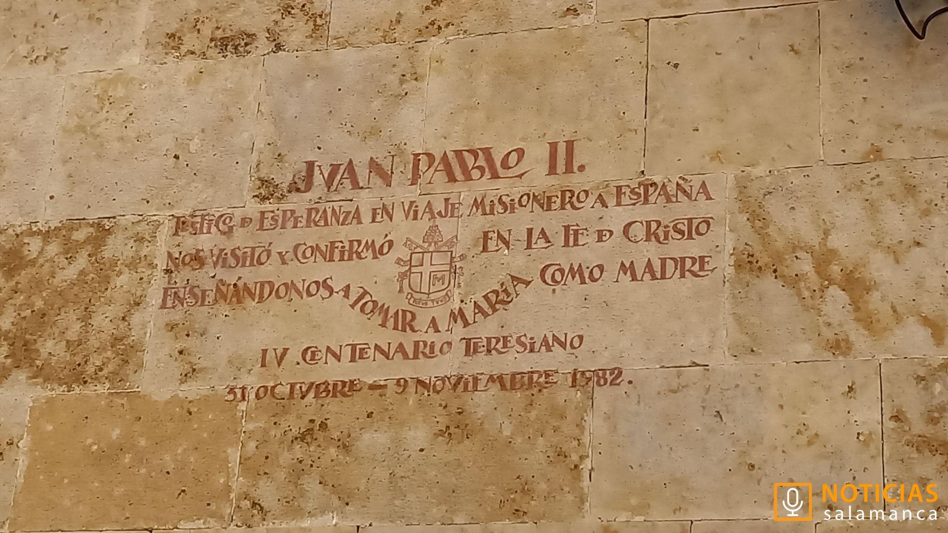 Plaza Juan XXIII - Inscripción